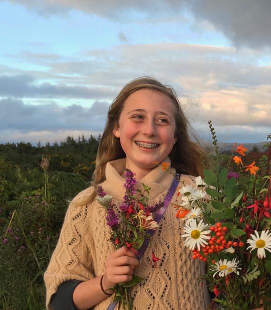 Irish girl with bouquet