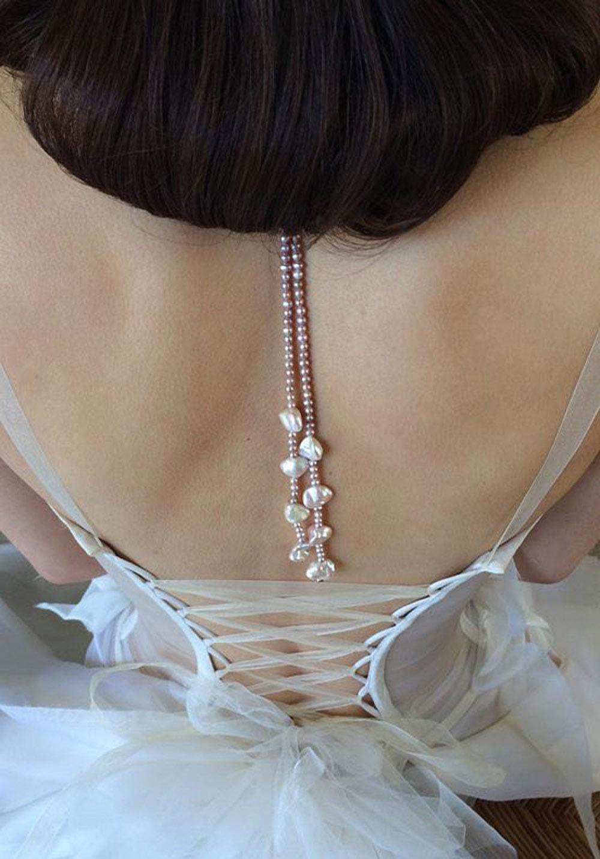 coiffure-mariage-magali-junemann-chateau-valmousse-quiqui-lamothe-robe-de-mariee-bustier-lace-jewels