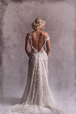 5-quiqui-lamothe-creatrice-designer-robes-de-mariees-de-provence--dentelle-boheme-legere-transparent