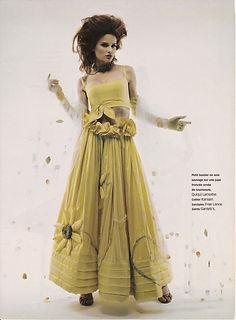 Robe de mariée bohème Quiqui Lamothe robe tournesols en soie jaune tournesols