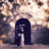 Robe de mariée dos nu plongeant Quiqui Lamothe, un dos à la Mireille Darc version lacée, en soie chanvre, mariage bohème à Vaugines