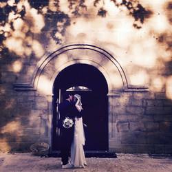 mariage-magique-vaugines-manon-des-sources-robe-mariee-quiquilamothe-aix-en-provence-robe-dos-nu-lac