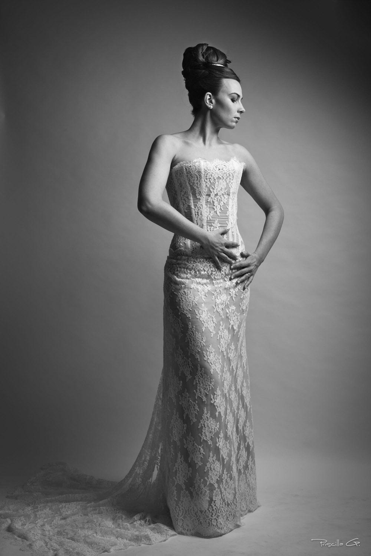 1-quiqui-lamothe-creatrice-designer-robes-de-mariees-de-provence-bustier-dentelle-traine-haute-coutu