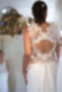 Robe de mariée dos nu Quiqui Lamothe, sur mesures dos ouvert avec goutte d'eau en cristal svarovski
