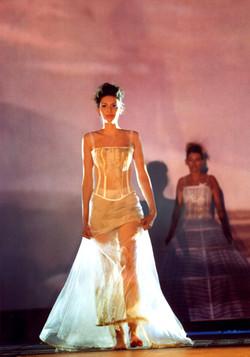 3-quiqui-lamothe-creatrice-designer-robes-de-mariees-de-provence-boheme-chic-nature-bio-ecologiques-