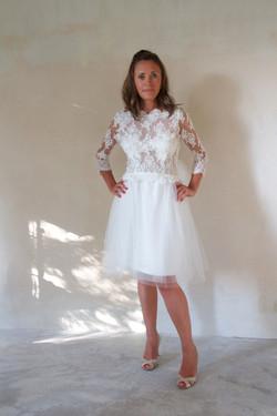 robe-mariee-courte-dos-nu-dentelle-tulle-quilquiamothe-aix-en-provence-marseille-stremy-paris-lyon-s
