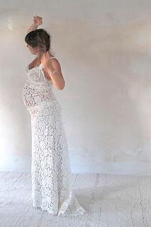 Robe de mariée dentelle Vintage Quiqui Lamothe ici pour femme enceinte
