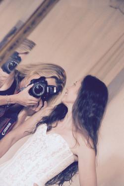 essayage-atelier-robes-de-mariees-quiqui-lamothe-shooting-photo-photographe-mariage-13-bdr-paca-var-