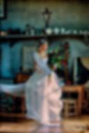 Robe de mariée bustier satin et organza Quiqui Lamothe à l'Atelier Cézanne coiffure Jacques Artininian photo Félicia Sisco, Aix-en-Provence