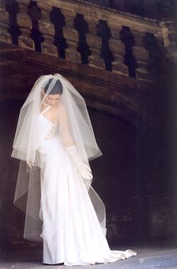 creatrice-quiqui-lamothe-robe-de-mariee-luxe-bustier-dos-nu-haute-couture-mariees-de-aix-en-provence