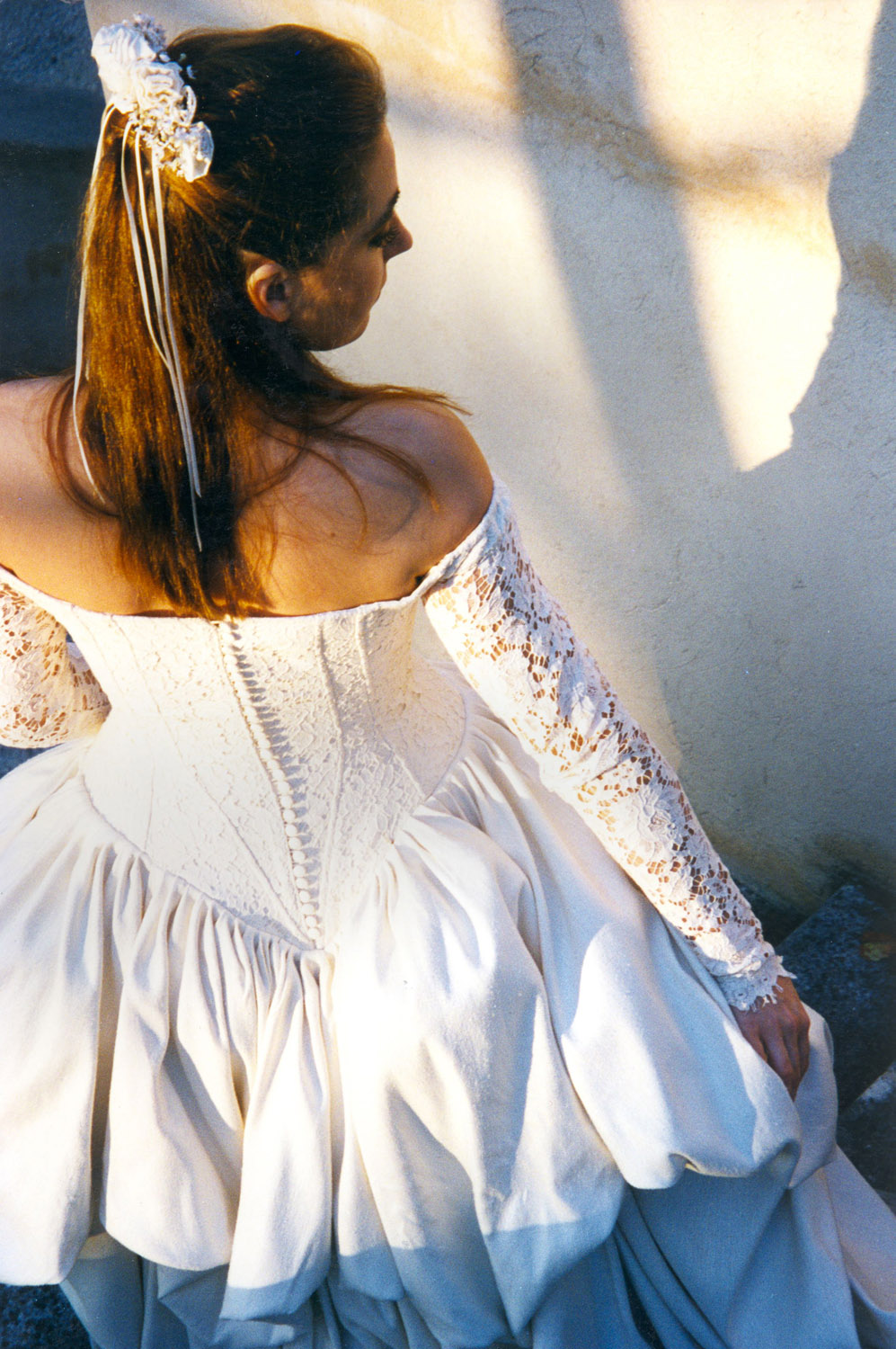 creatrice-quiquilamothe-robe-mariee-princesse-aix-en-provence-bustier-couture-boutons-dos-reine-marg