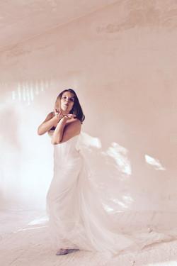 robe-mariee-bustier-simple-soie-paillettes-dos-lace-sur-mesures-couture-bisou-mariage-saint-remy-qui