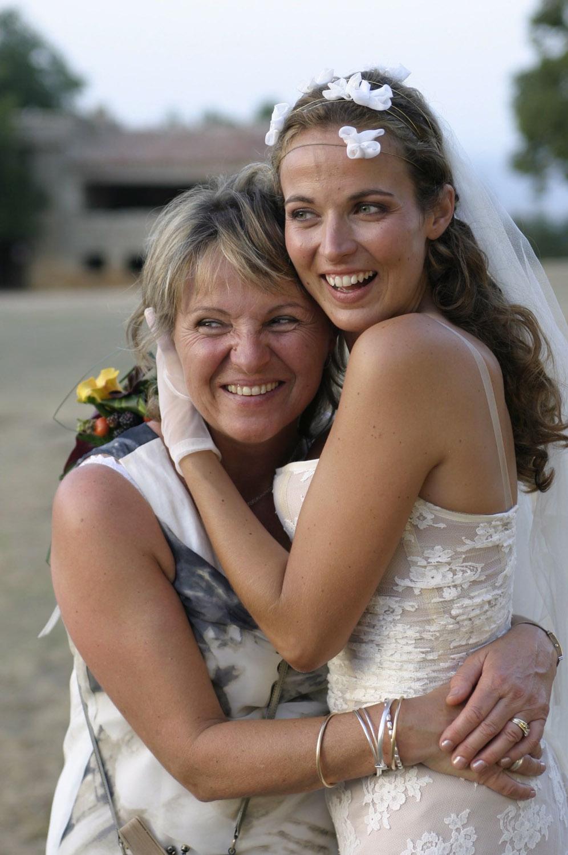 mariage-nature-boheme-sivergues-couronne-fleurs-quiquilamothe-robe-mariee-aix-en-provence-corset-bus