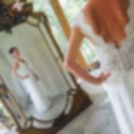 Robes de mariées dos dégagé Quiqui Lamothe, robe sur mesures décoletté et dos V, boutons dos