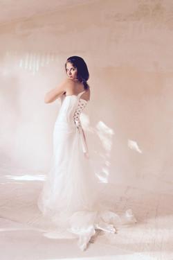 robe-mariee-bustier-simple-soie-paillettes-dos-lace-sur-mesures-couture-mariage-saint-remy-quiquilam