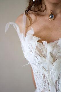 Robe de mariée bohème Quiqui Lamothe effet plume hippie chic