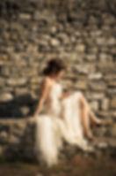 Robe de mariée en dentelle Quiqui lamothe, bustier organza hanches et dos nu, photo Médéric de Bleu Citron Prod