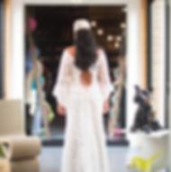 Robe de mariée bohème Quiqui Lamothe dentelle dos nu à manches