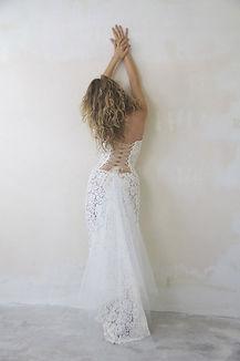 Robe de mariée bohème Quiqui Lamothe bustier dentelle dos nu lacé