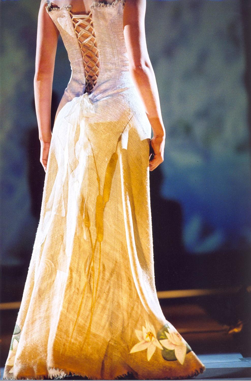 defile-quiqui-lamothe-creatrice-designer-robes-de-mariees-de-provence-robe-soie-brute-peinte-mariage