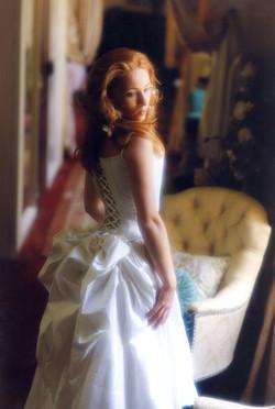 robe-mariee-pouf-faux-cul-bustier-soie-marguerite-haute-couture-creatrice-quiquilamothe-robes-de-mar