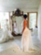 Robe de mariée dos nu Quiqui Lamothe, dentelle de Calais coton et queue en tulle