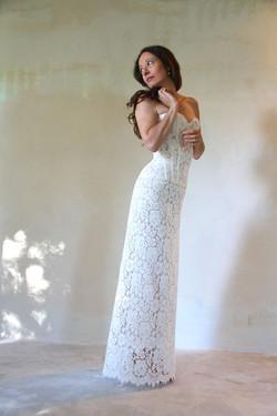 robe-mariee-bustier-dentelle-decollete_coeur-laçage-dos-sur-mesures-boheme-chic-vintage-atelier-quiq
