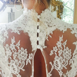 detail-robe-princesse-boutons-quiqui-lamothe