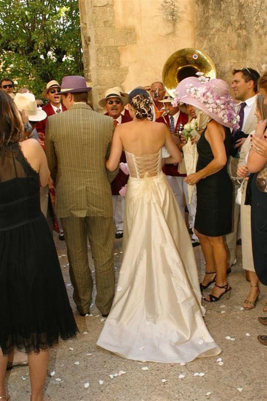 creatrice-quiquilamothe-robe-mariee-aix-en-provence-bustier-dos-nu-boheme-chic-champetre-traine-soie