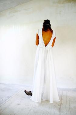 robe-mariee-dos-nu-boheme-nature-coton-soie-quiqui-lamothe-aix-en-provence-marseille-stremy-paris-ly