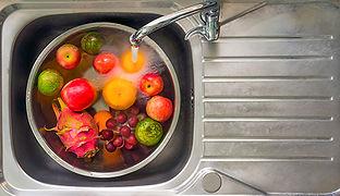 washingfruits.jpg