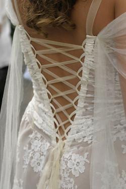 dos-nu-lace-mariage-nature-boheme-sivergues-quiquilamothe-robe-mariee-aix-en-provence-corset-bustier