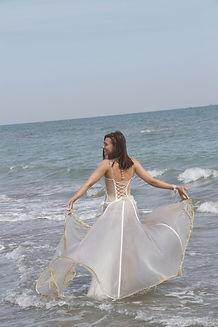 Robe de mariée bohème créateur eau mer water inspiratin Quiqui Lamothe