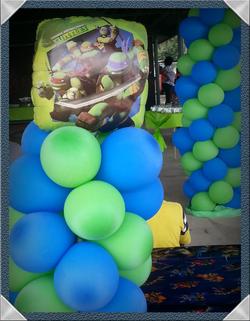 Ninja Turtle Balloon Columns