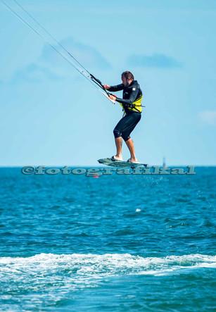 Horizon-surferDSC3200.jpg