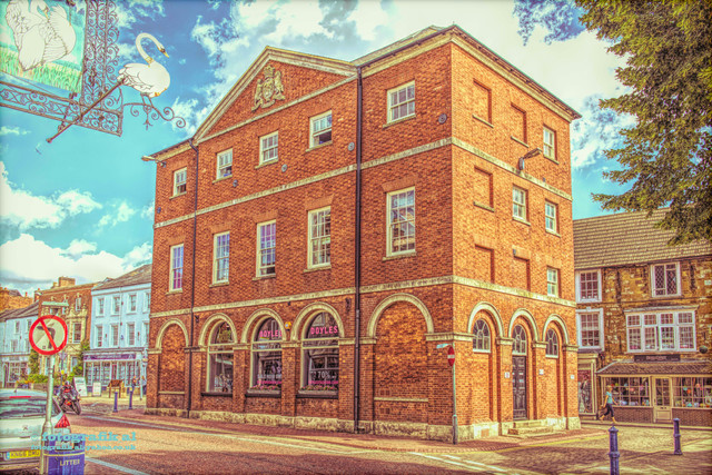 Old_Town_Hall_compressed©.jpg