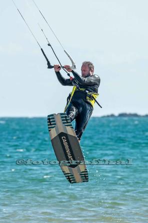 kitesurfer1web.jpg