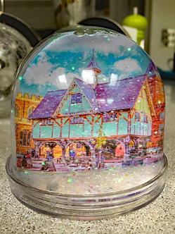 Iconic Harborough Snow Globe