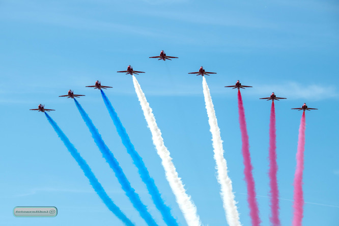 Red_Arrows arriving at Cosford