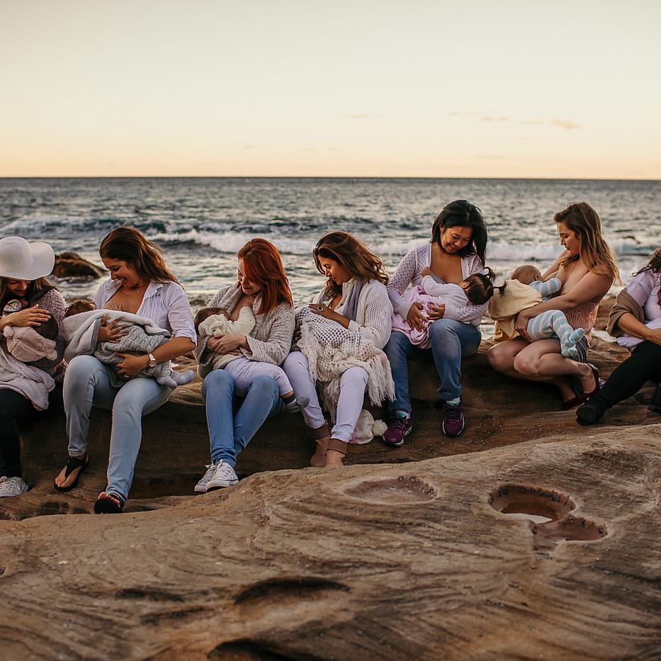 Group Breastfeeding / Motherhood