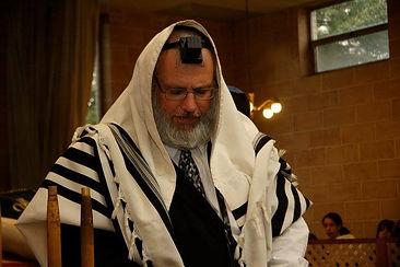 Rabbi G Davening.jpg