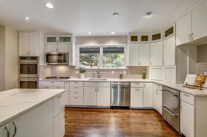 Main Level-Kitchen-_S0A0967.JPG