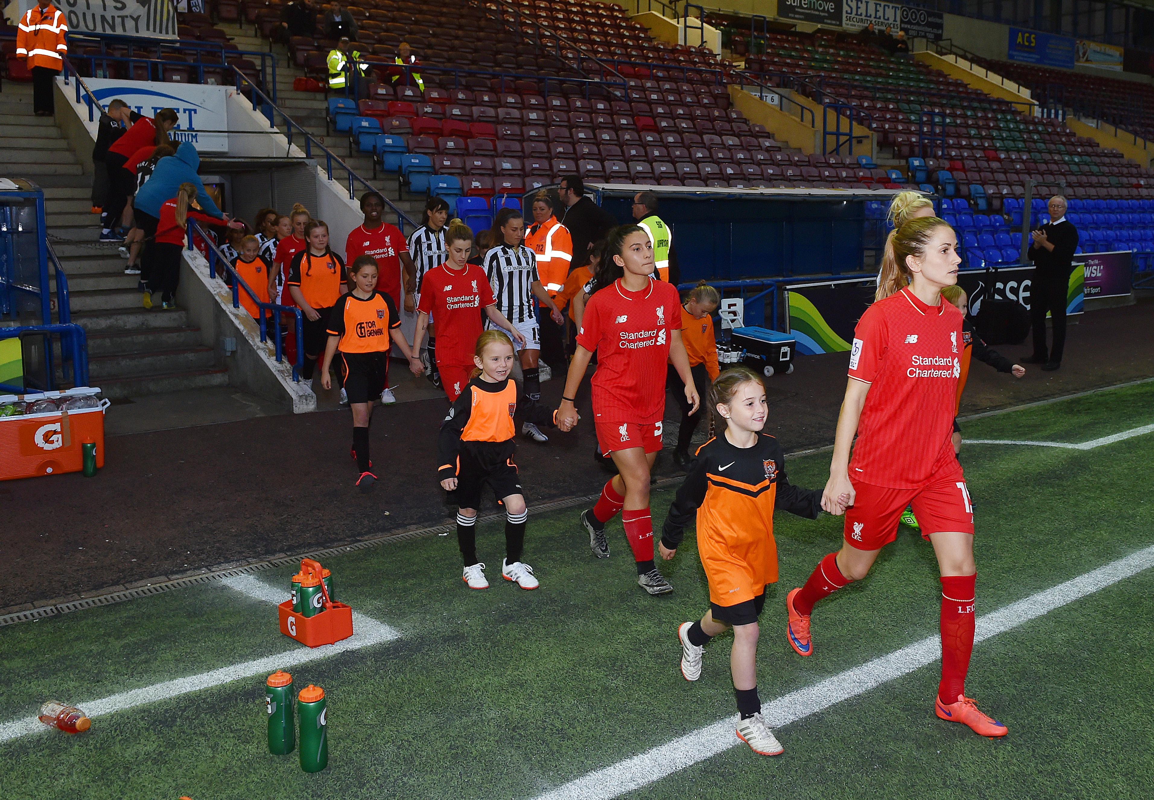 11.10.15 Liverpool Ladies Mascot 05