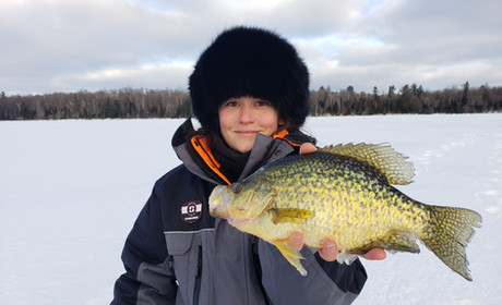 Giant Keweenaw Crappie Ice Fishing