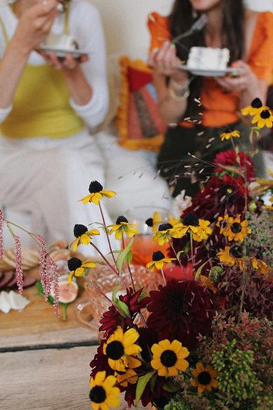 friends flowers cake summer