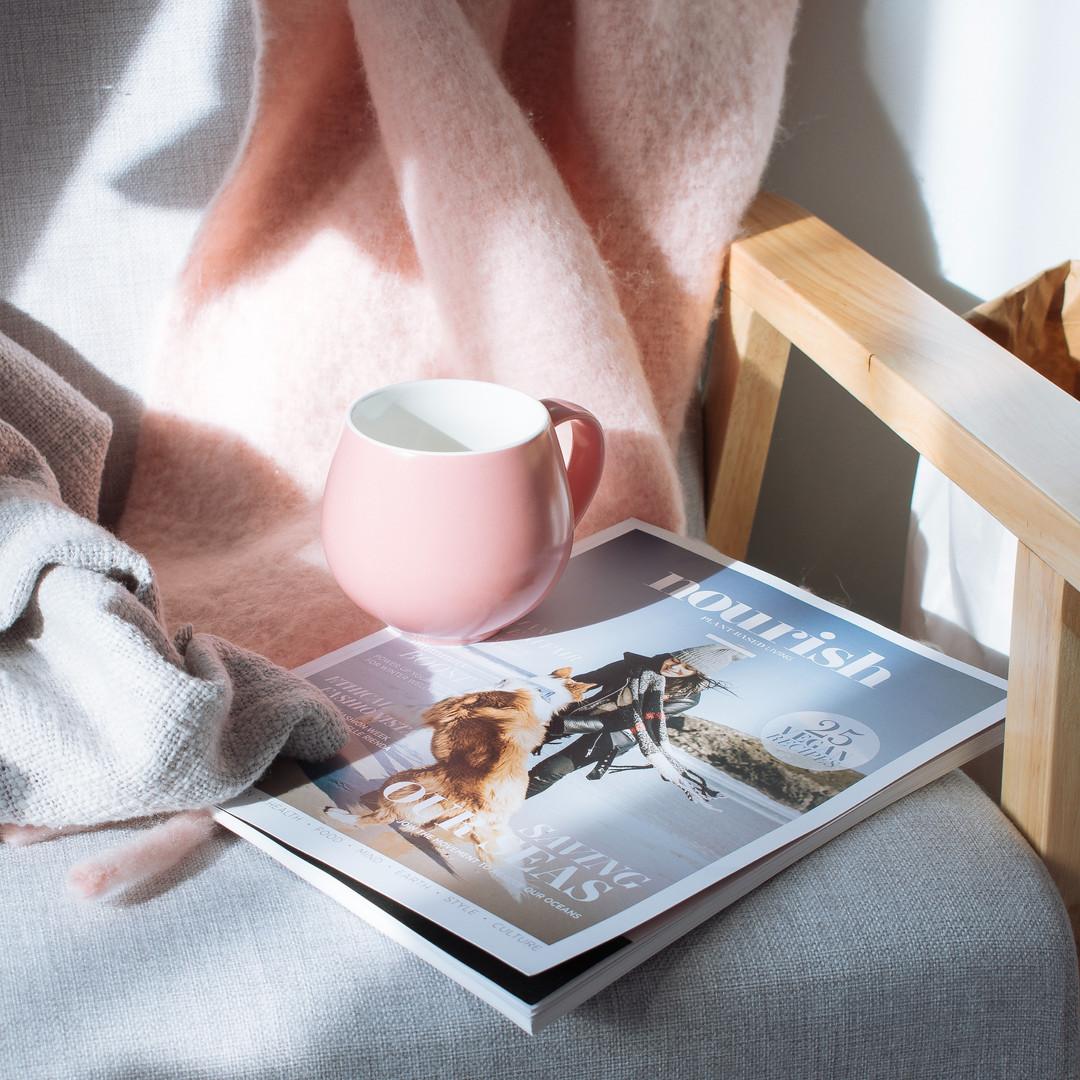 pink-mug-and-magazine-2857583.jpg