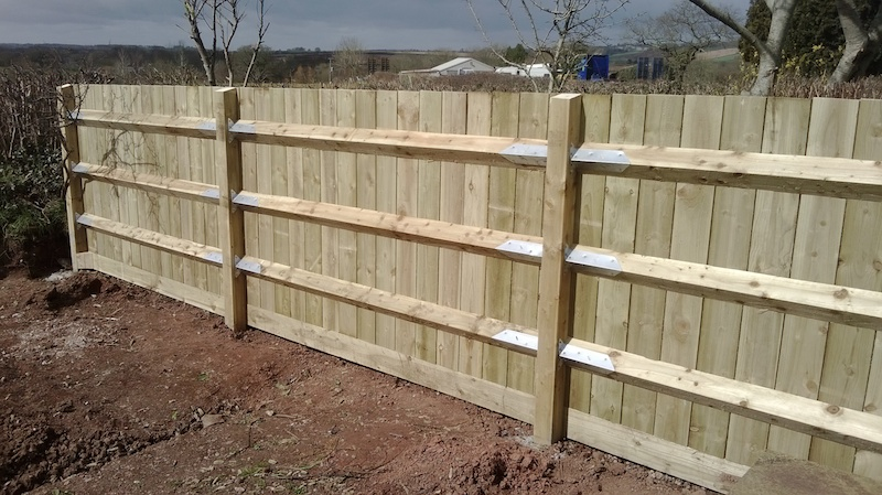 Featheredge Fence, using Arris Rails