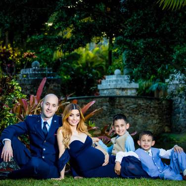 SecretGardensMiami_FamilyPhoto2_FamilyGa