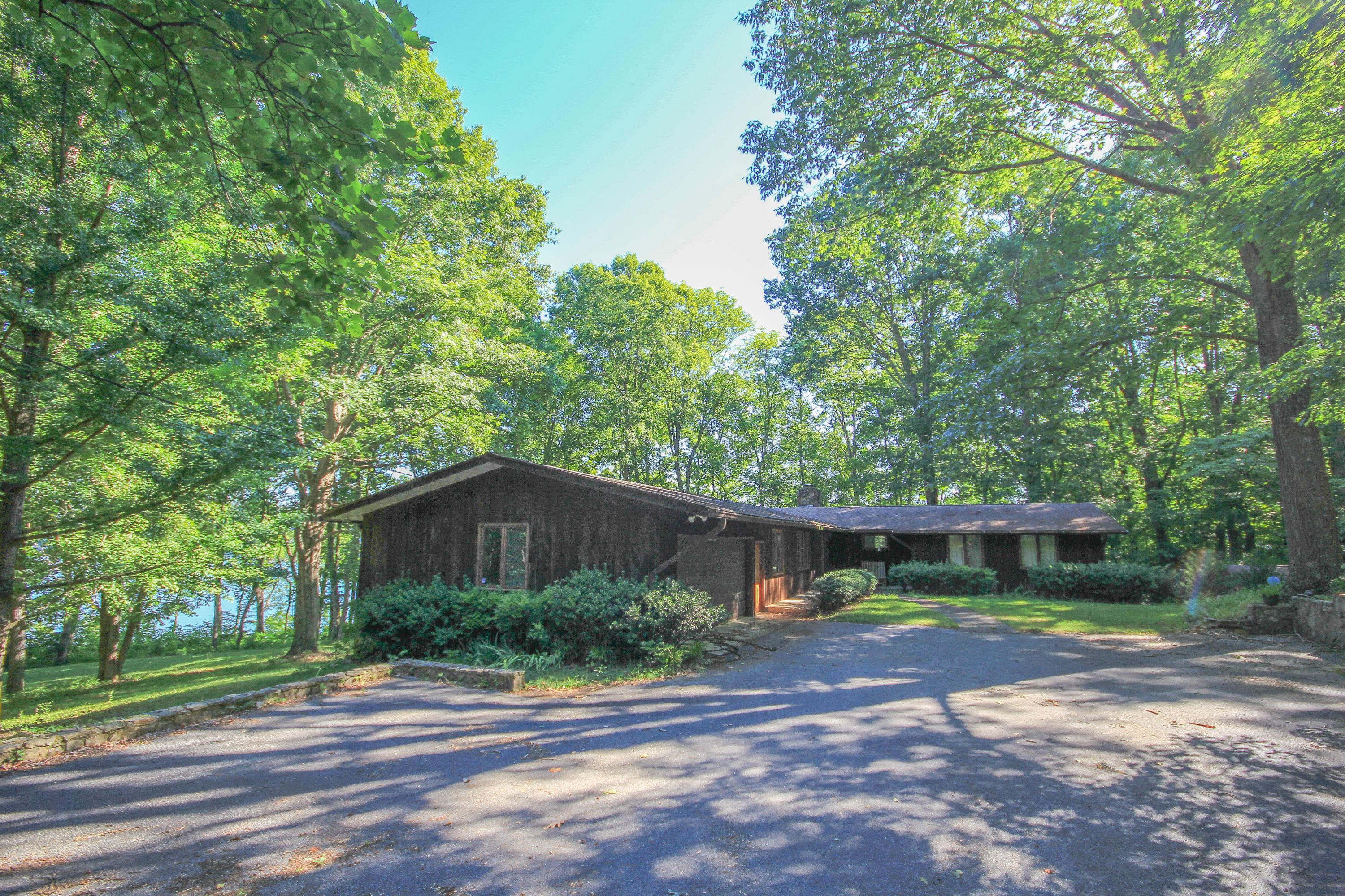 The Best Mid-Century Homes for Sale in East Tennessee | Honeycutt ...