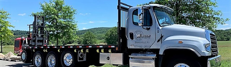 2020 Freightliner with moffet.jpg